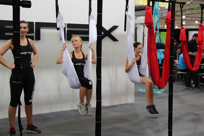 Beim Aerial Fitness kann man auch mal entspannt abhängen.