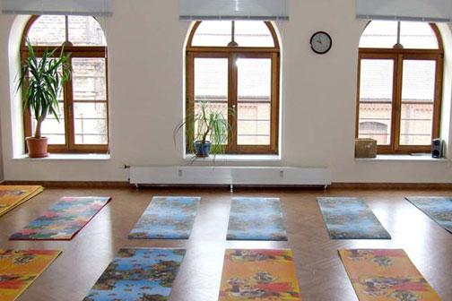 Auch Yoga-Kurse kannst Du im CARPE DIEM besuchen.