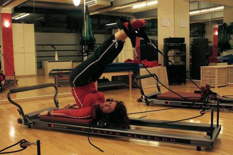 Reformer Pilates in München bei Pilates Plus